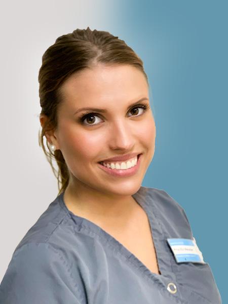 Kosmetikerin und ZFA Priscilla Meixner